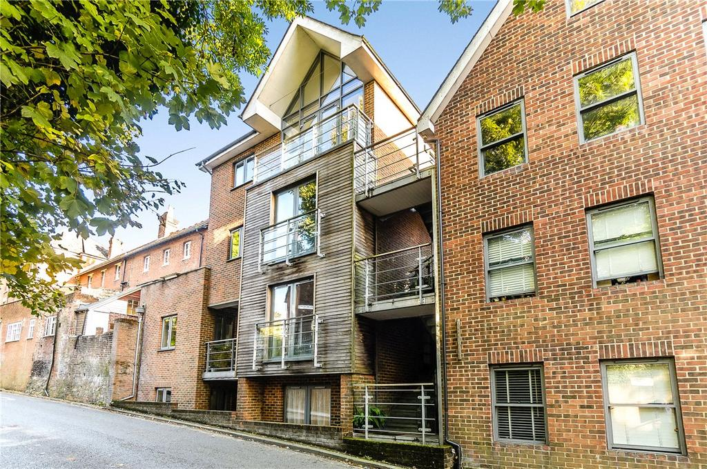2 Bedrooms Apartment Flat for sale in Chilcomb Place, Highcliffe Road, Winchester, Hampshire, SO23