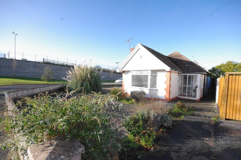2 Bedrooms Detached Bungalow for sale in Archers Green, Prestatyn