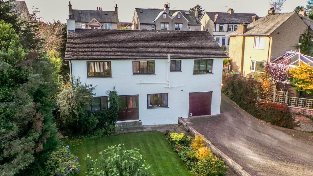 4 Bedrooms Detached House for sale in Mayfield Road, Ulverston
