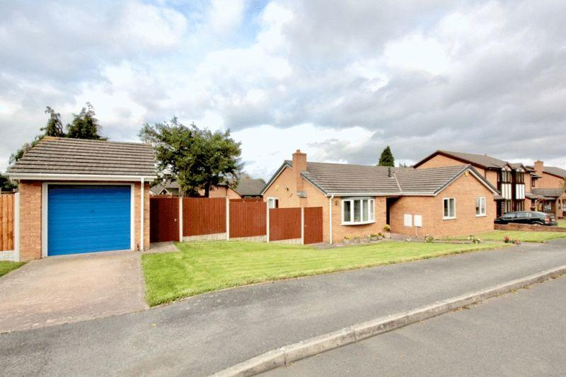 3 Bedrooms Detached Bungalow for sale in Caer Felin, Llanrhaeadr
