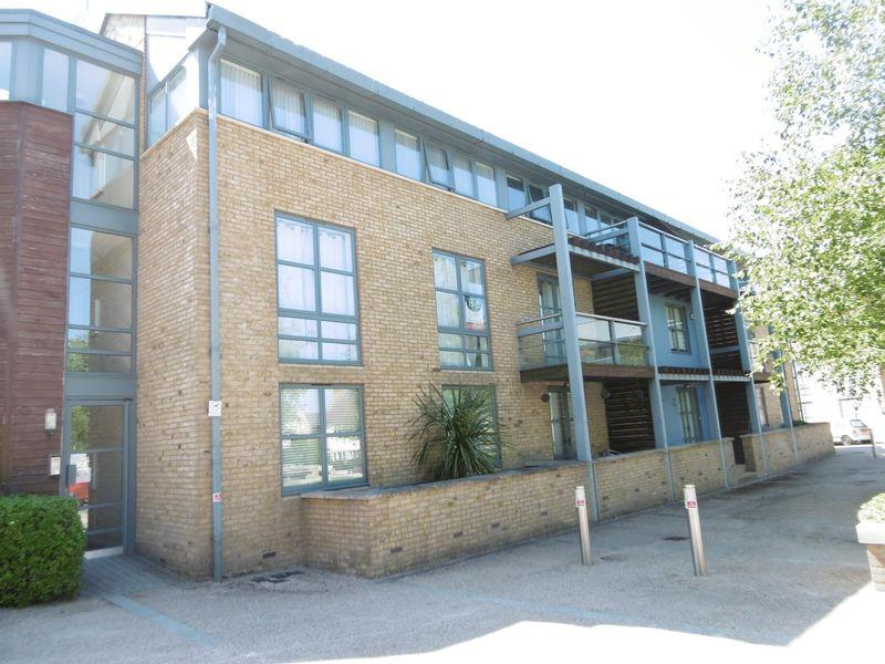 2 Bedrooms Flat for sale in Soper Square, Harlow