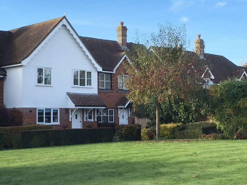 3 Bedrooms Terraced House for rent in Betchworth, Surrey