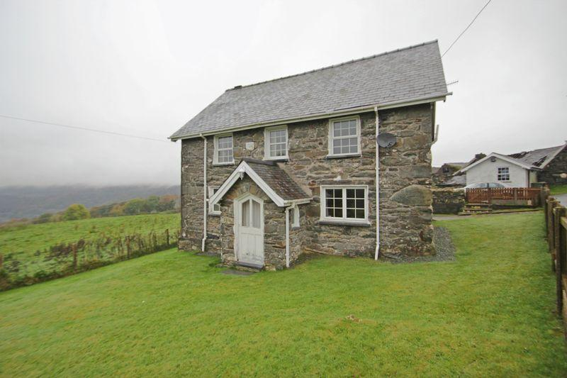 4 Bedrooms Detached House for sale in Cwm Cynfal, Gwynedd