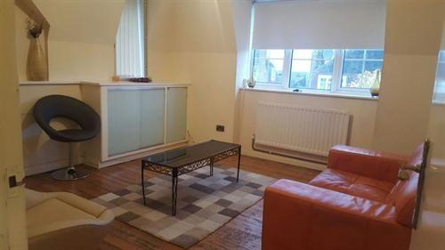 2 Bedrooms Flat for sale in Lushington Road, Catford SE6