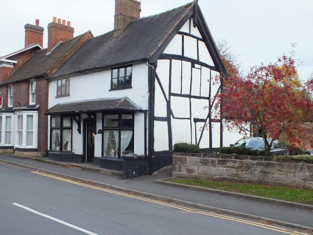 3 Bedrooms Cottage House for sale in Tudor Rose Cottage , TUDOR ROSE COTTAGES