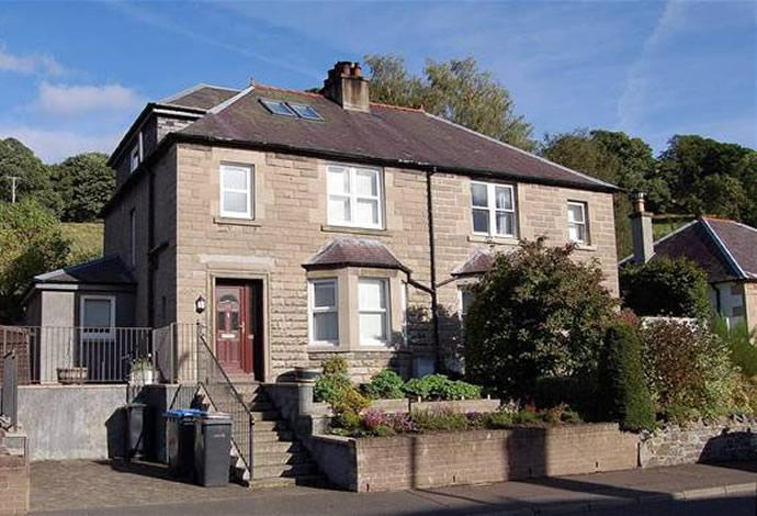 3 Bedrooms Semi Detached House for sale in 38 Edinburgh Road, Peebles, EH45 8EB