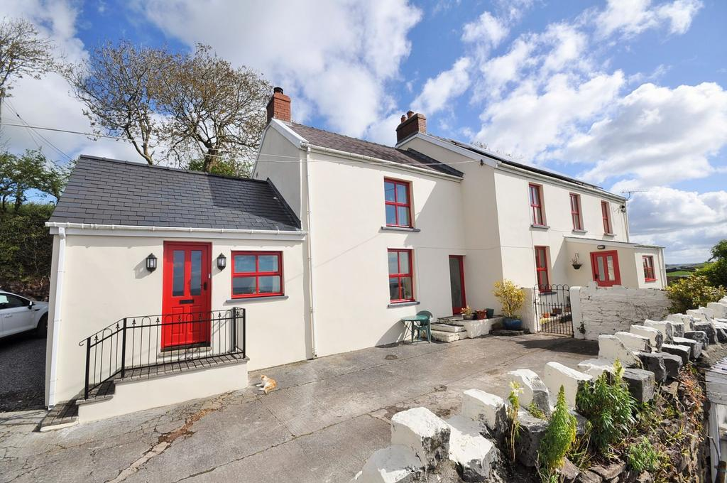 5 Bedrooms Farm House Character Property for sale in Rogers Well, Llansadurnen, Laugharne, Carmarthen SA33 4RJ