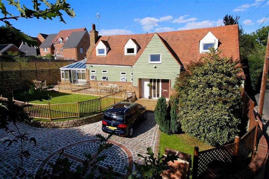 4 Bedrooms Detached House for sale in Bragbury Lane, Bragbury End, SG2 8TJ