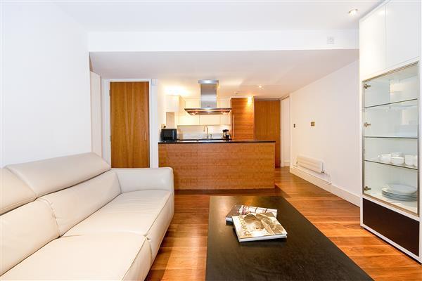 1 Bedroom Flat for sale in LANCELOT PLACE, KNIGHTSBRIDGE, SW7