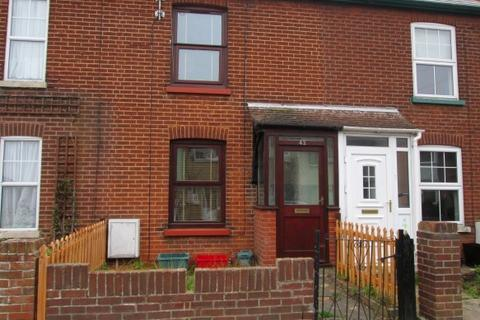 3 bedroom terraced house to rent - Clarkes Road, Dovercourt CO12