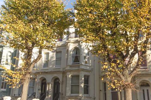 1 bedroom flat to rent - Dunblair Court, 44 Upper Rock Gardens, Brighton