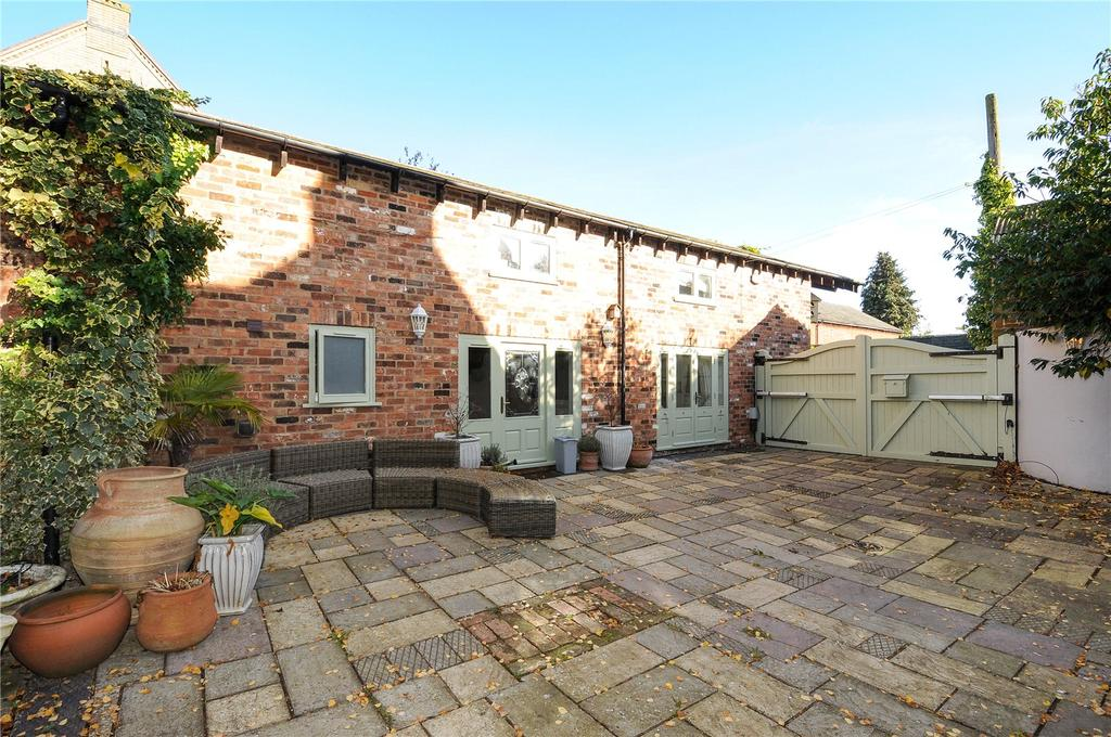 4 Bedrooms Detached House for sale in Guilsborough Road, Ravensthorpe, Northamptonshire, NN6