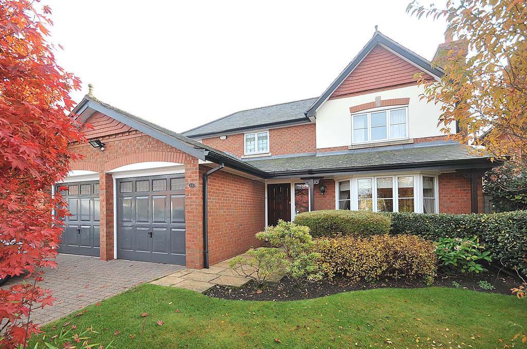 4 Bedrooms Detached House for sale in Queensbury Close, Wilmslow