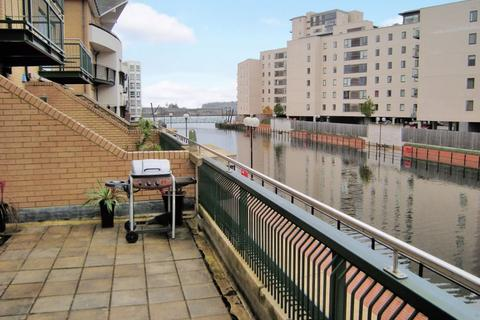 2 bedroom flat to rent - Adventurers Quay, The Bay, Cardiff, Cardiff