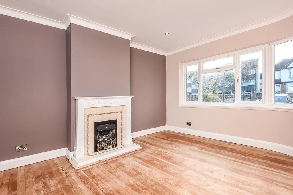 3 Bedrooms Terraced House for sale in Ravensbourne Park, Catford, SE6