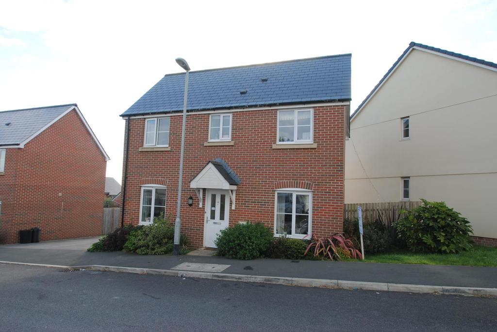 3 Bedrooms Detached House for sale in Haye Common Drive, Launceston