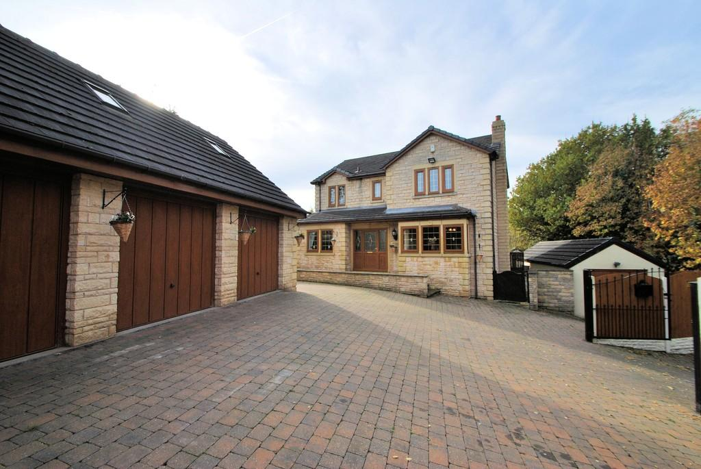 4 Bedrooms Detached House for sale in Chapel Lane off Middlecliff Lane, Little Houghton