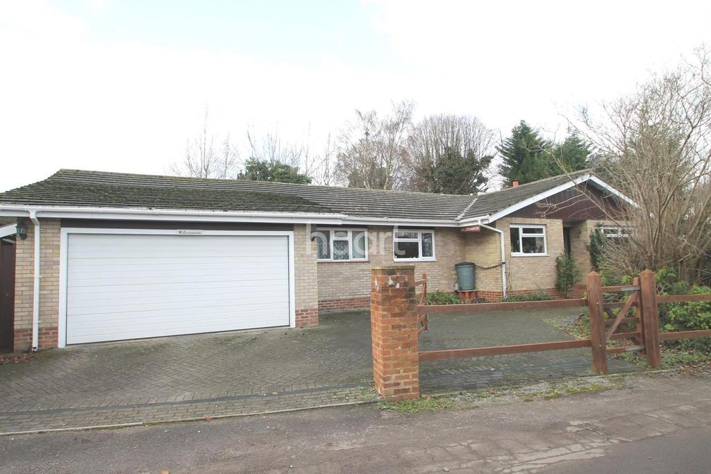 4 Bedrooms Bungalow for sale in Dorking Town