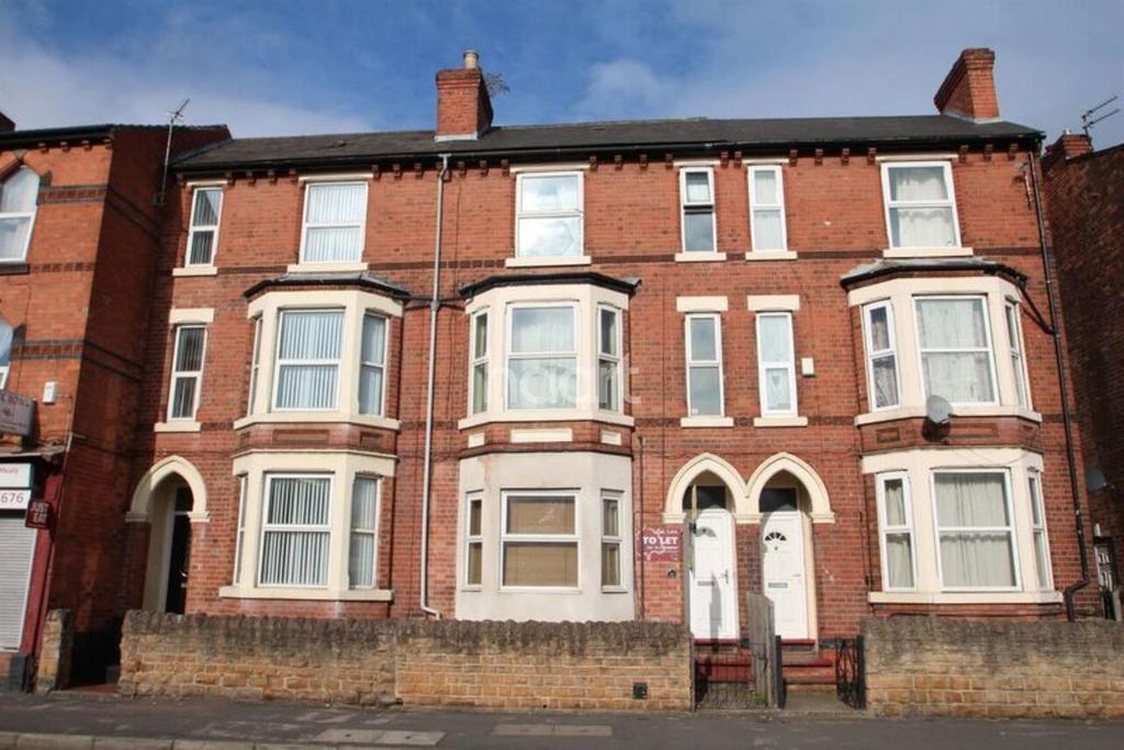 3 Bedrooms Terraced House for sale in Colwick Road, Sneinton