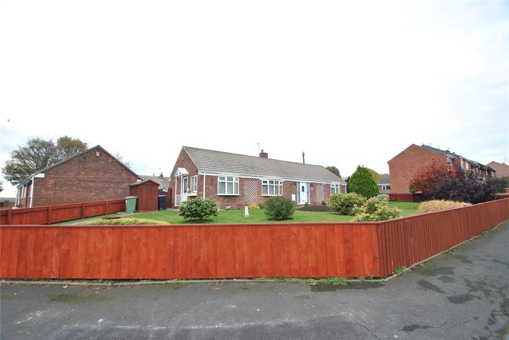 2 Bedrooms Detached Bungalow for sale in Tregoney Avenue, Murton, Co Durham, SR7