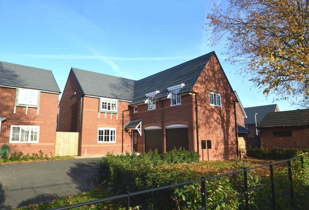 4 Bedrooms Detached House for sale in Stubbs Lane, Lostock Gralam