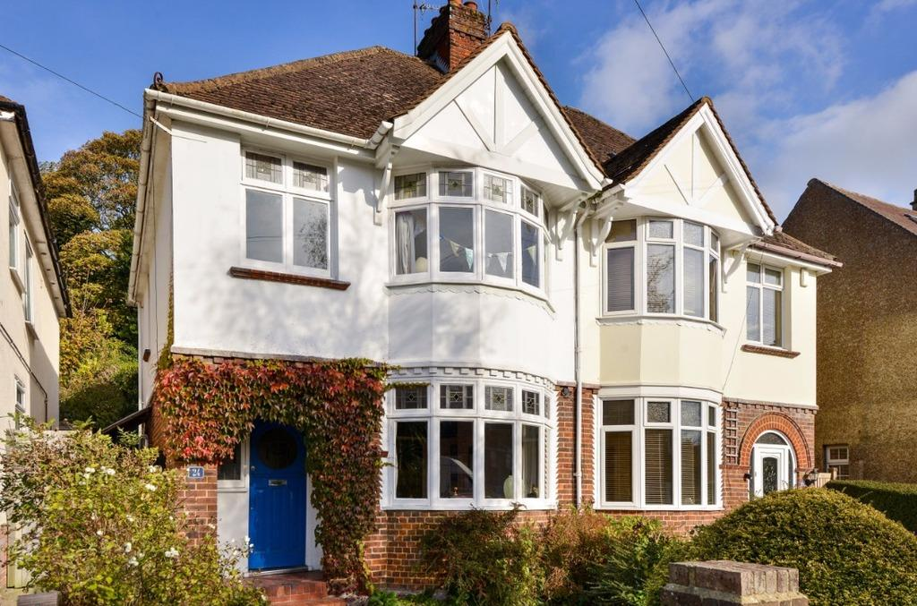 3 Bedrooms Semi Detached House for sale in Valley Drive Brighton East Sussex BN1