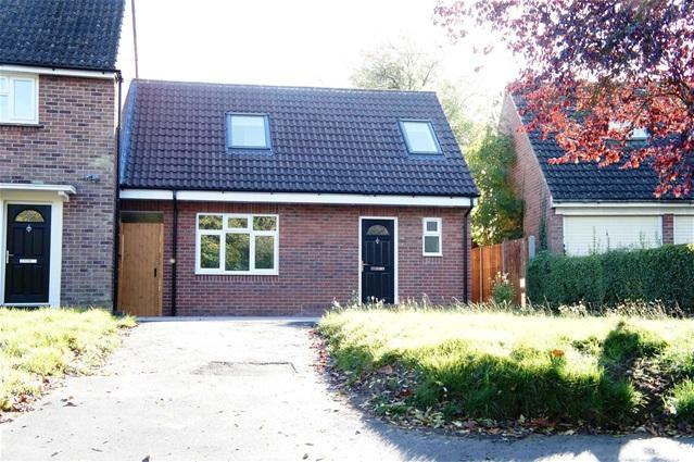 3 Bedrooms Link Detached House for sale in High Street, Wilden