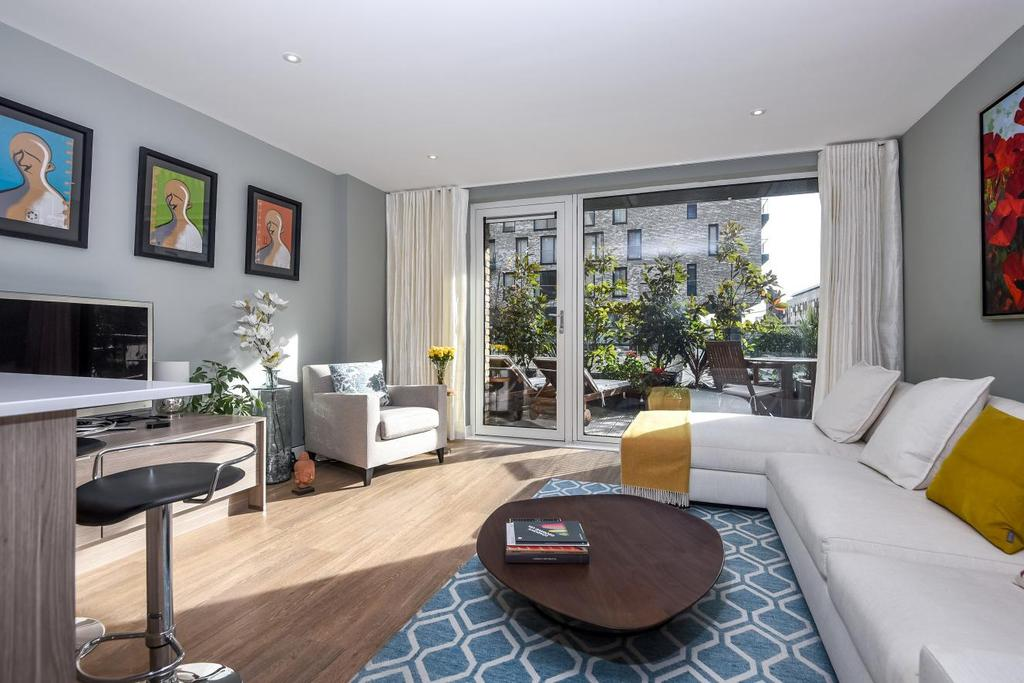 3 Bedrooms Flat for sale in Seafarer Way, Surrey Quays, SE16