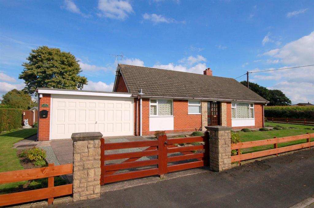 3 Bedrooms Detached Bungalow for sale in Nursery Road, Alsager