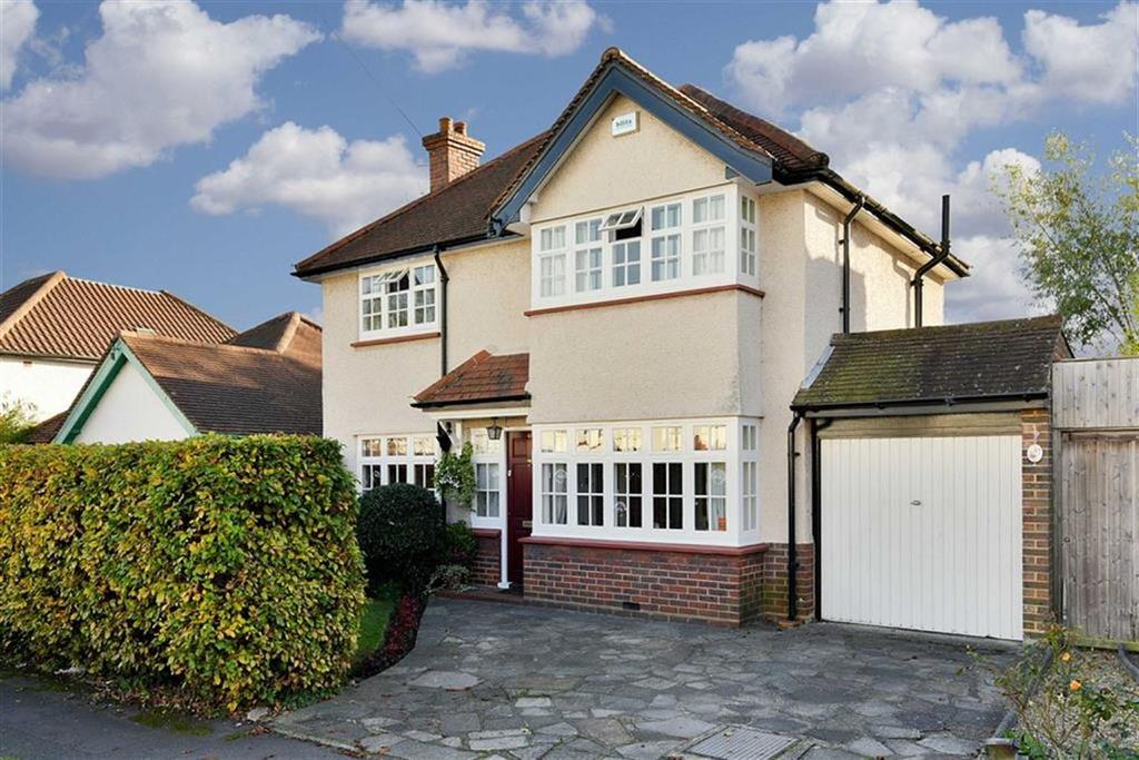 3 Bedrooms Detached House for sale in Manor Green Road, Epsom, Surrey