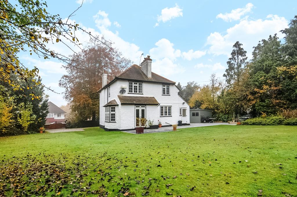 4 Bedrooms Detached House for sale in Stonehouse Road Halstead TN14