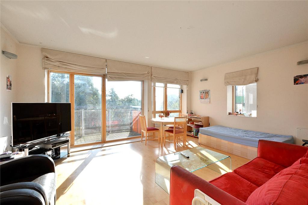 2 Bedrooms Flat for sale in Alamaro Lodge, Renaissance Walk, London