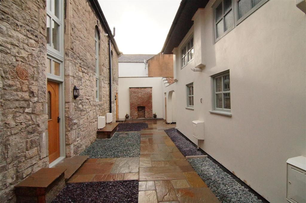 2 Bedrooms Cottage House for sale in Castle Place