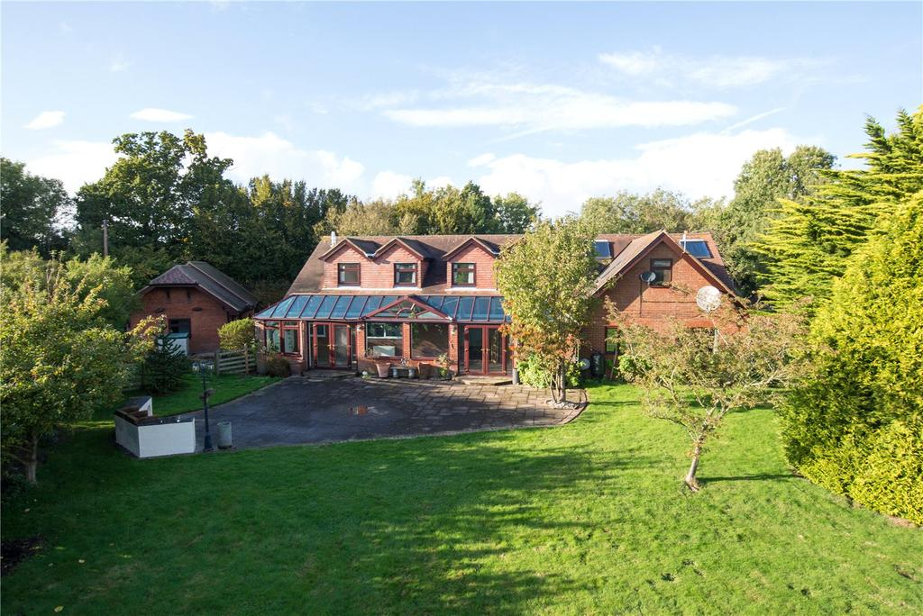 6 Bedrooms Detached House for sale in Lodge Lees, Denton, Canterbury, Kent