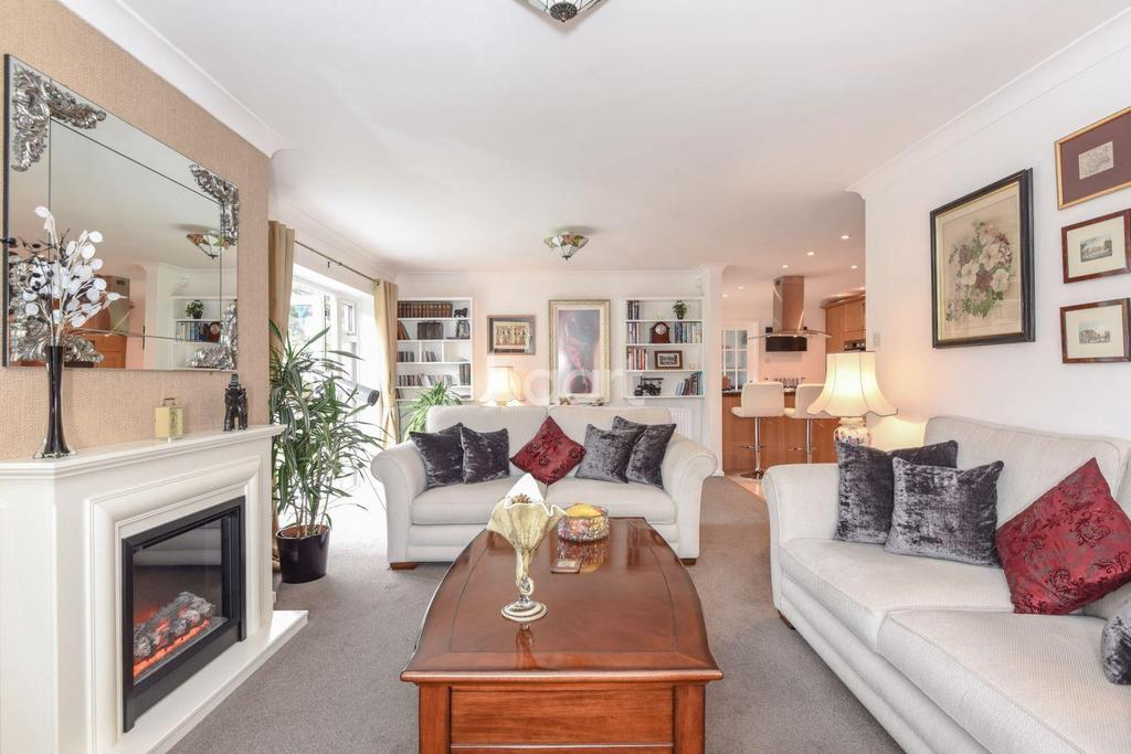 4 Bedrooms Bungalow for sale in Folgate Lane, Costessey