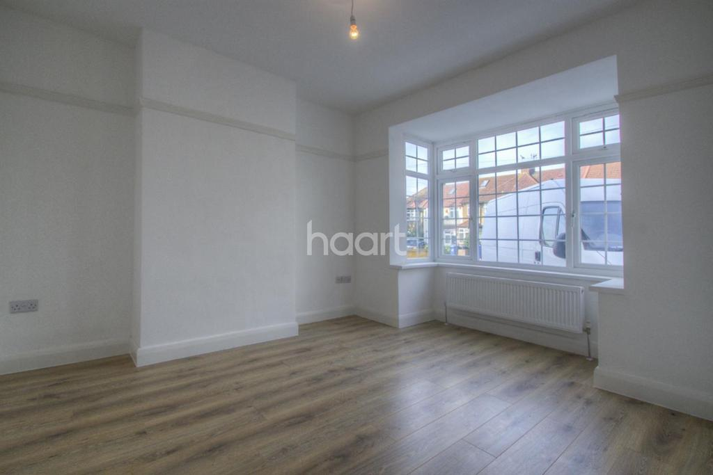 5 Bedrooms Terraced House for sale in Southall