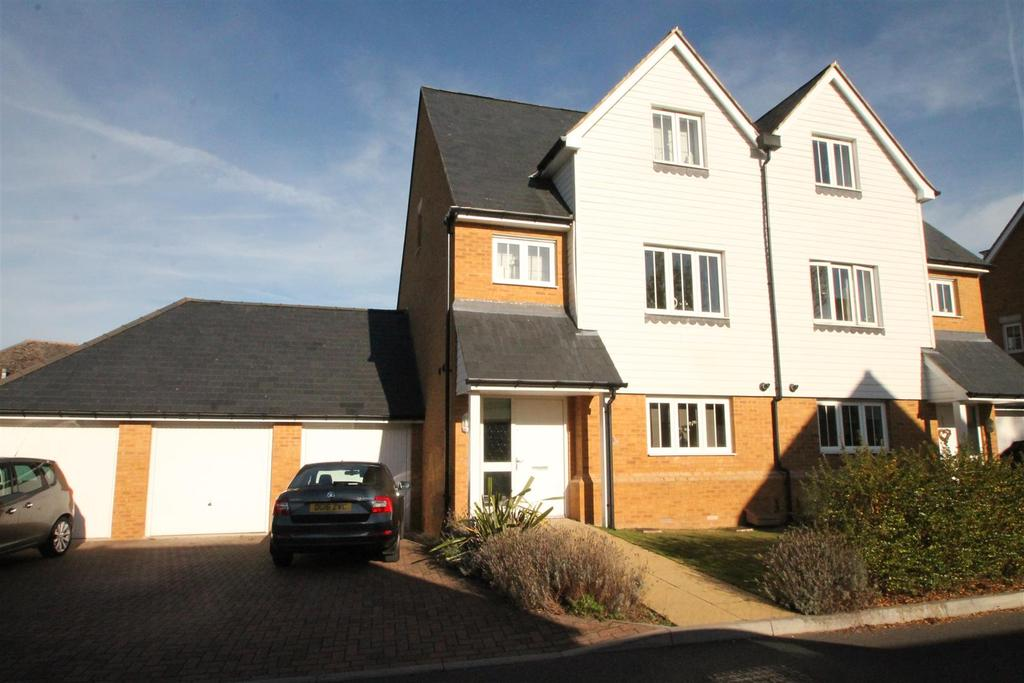 4 Bedrooms Semi Detached House for sale in Leonard Gould Way, Loose, Maidstone
