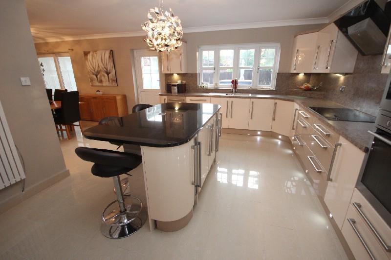 5 Bedrooms Detached House for sale in Brinkburn Court, Hartlepool