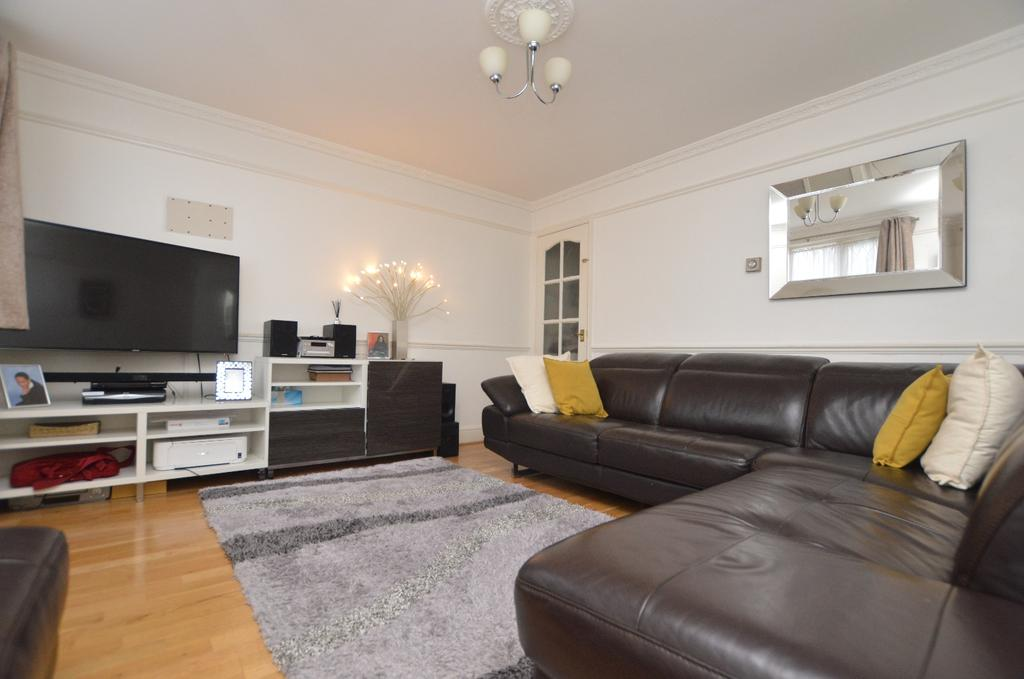 3 Bedrooms Terraced House for sale in Holmshaw Close Sydenham SE26