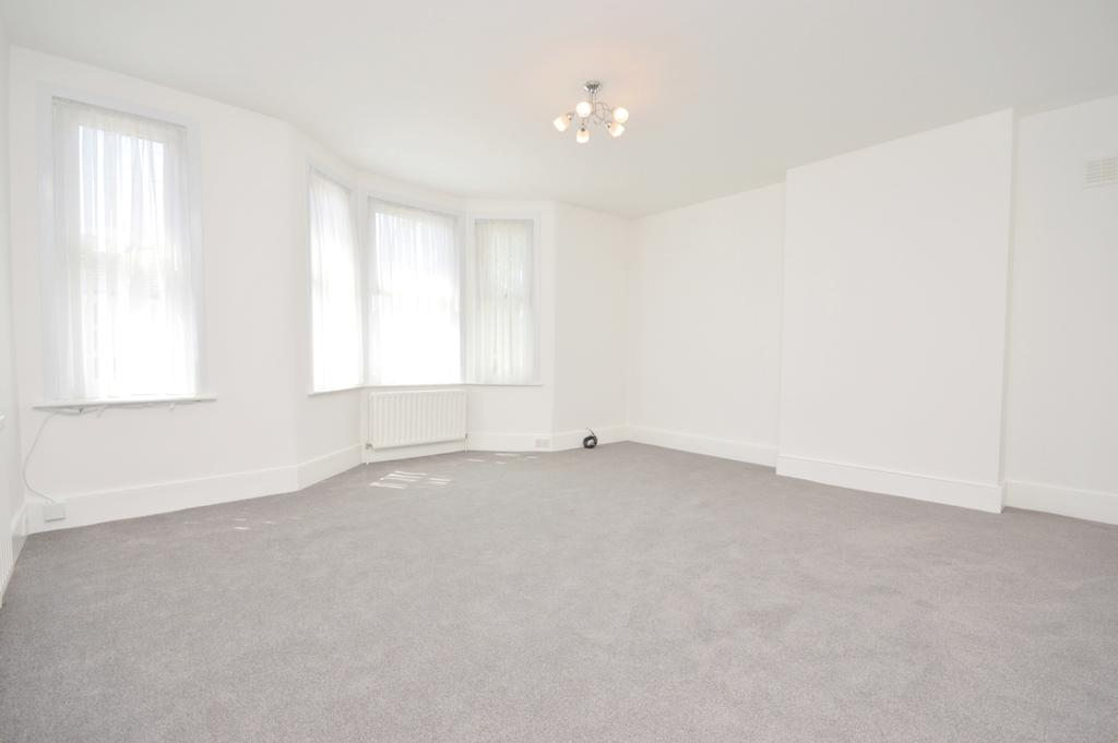 2 Bedrooms Flat for sale in Ewhurst Road SE4