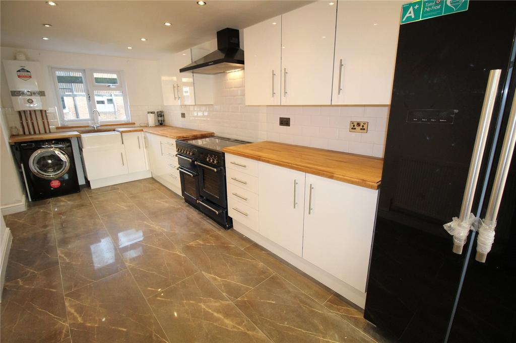 3 Bedrooms House for sale in Havengore, Basildon, Essex, SS13