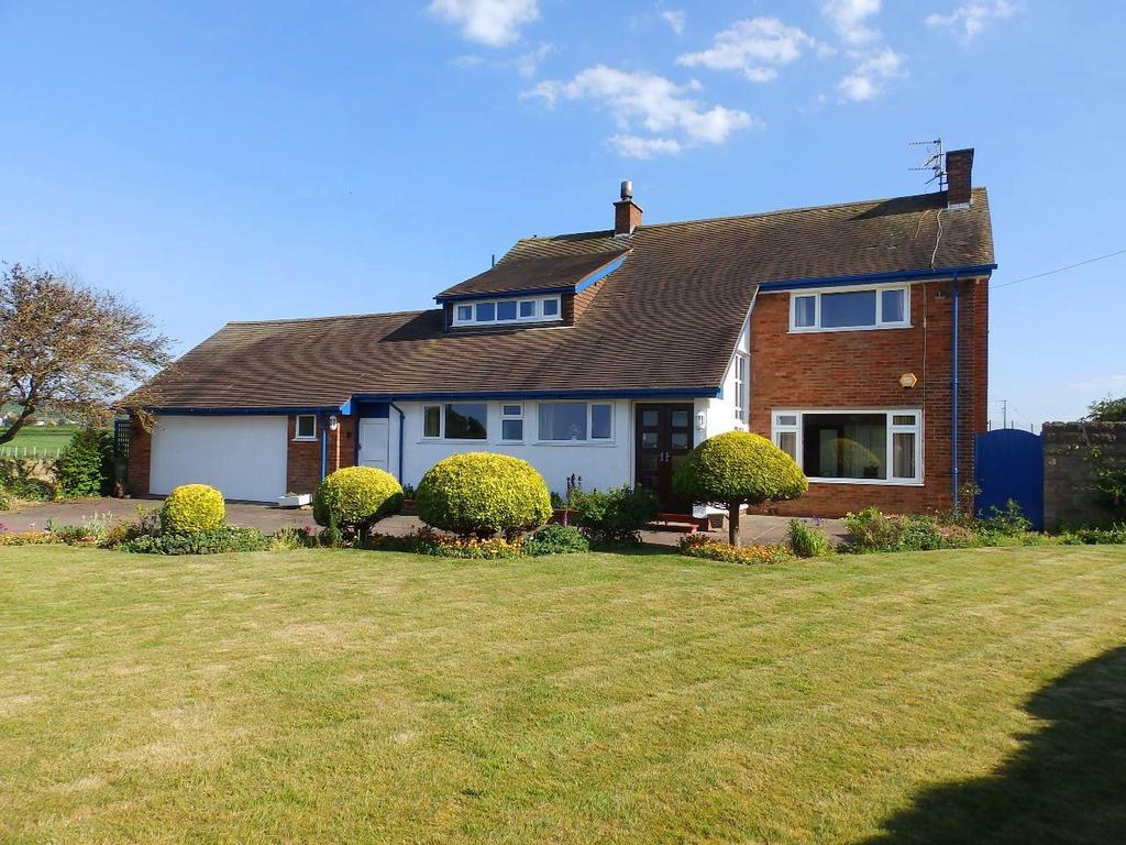 4 Bedrooms Detached House for sale in Dyserth Road, Rhyl