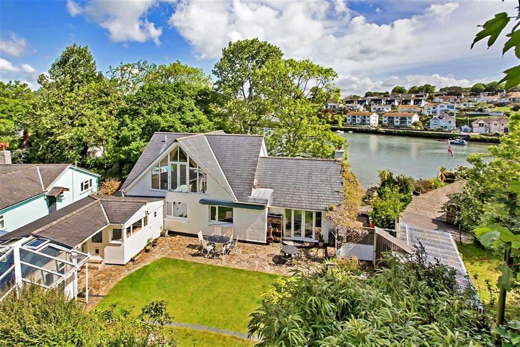 4 Bedrooms Detached House for sale in Tacket Wood, Kingsbridge, Devon, TQ7