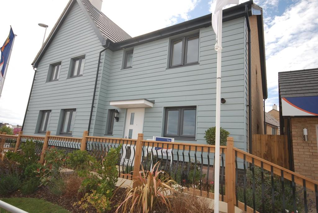 3 Bedrooms Semi Detached House for sale in Pebble Beach, Seaton
