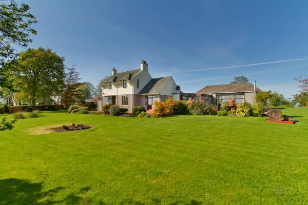 5 Bedrooms Detached House for sale in The Beeches, By Kilmaurs, East Ayrshire, KA3