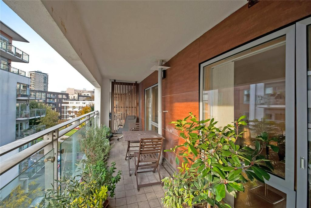 1 Bedroom Apartment Flat for sale in Prospect House, Sun Passage, London, SE16