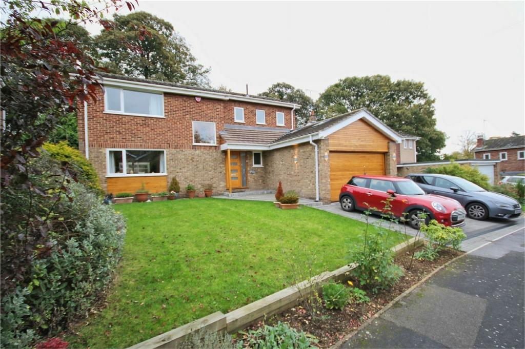 4 Bedrooms Detached House for sale in Hall Walk, Walkington, East Riding of Yorkshire