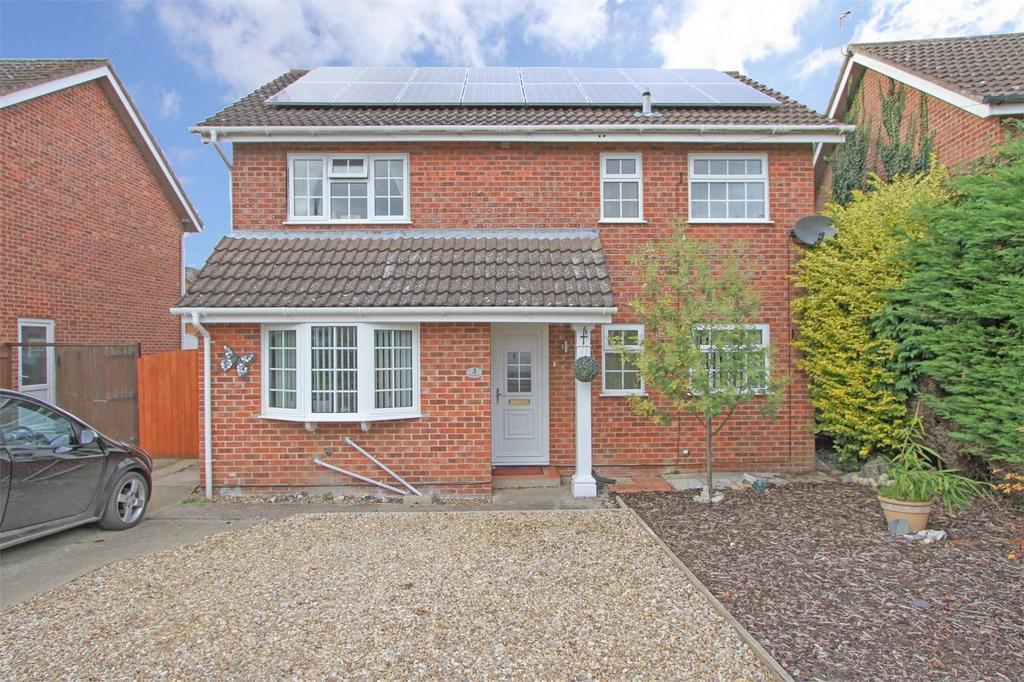 3 Bedrooms Detached House for sale in Pond Road, Toftwood, Norfolk