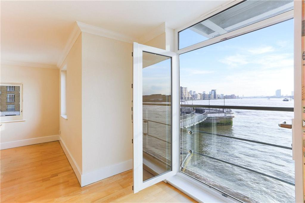 2 Bedrooms Flat for sale in Dunbar Wharf, 108-124 Narrow Street, Limehouse, London, E14