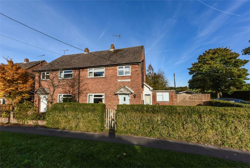 4 Bedrooms Semi Detached House for sale in Dunsells Close, ROPLEY, Hampshire